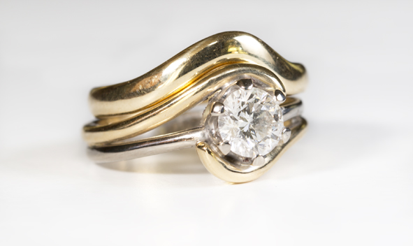 Fitted wedding engagement ring by Juliana jewellery